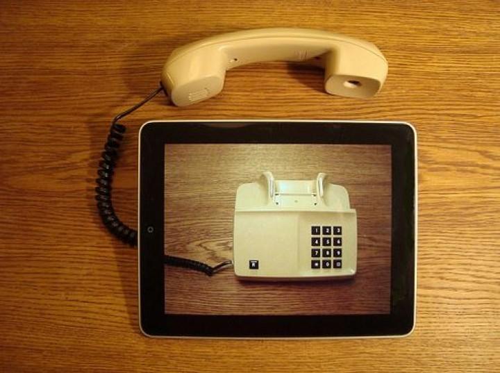 Telefonia VoIP w firmie – sposób na komfort i oszczędności